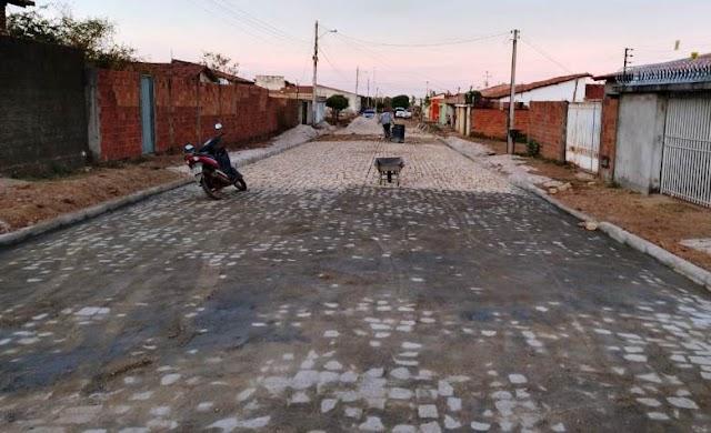 Obras de calçamento no Bairro Parque Estrela e Cidade Nova avançam