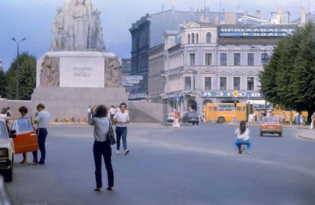 красивая рига памятник свободы