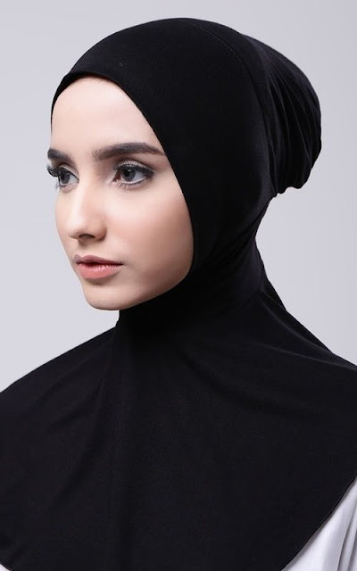 Pay attention to the ciput or the inside of the hijab