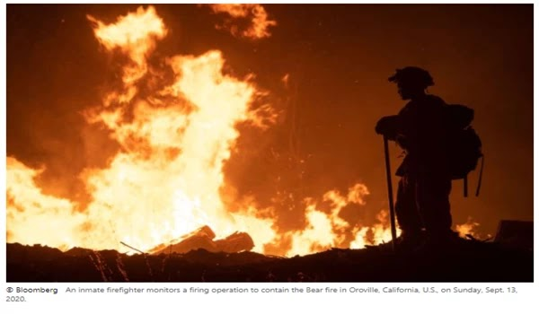 In the midst of further wildfires in the dark, about 200,000 California