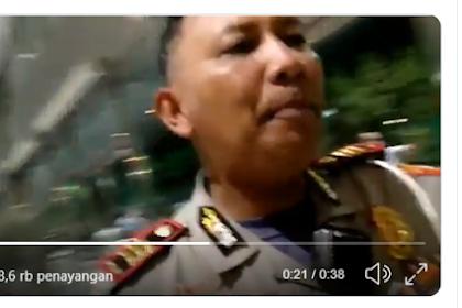 Wartawan Perempuan Ditendang Polisi, Diminta Hapus Videonya Saat Liput Mahasiswa