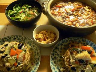 夕食の献立 献立レシピ 飽きない献立 牛スジ煮込み鍋 かた焼きそば ウナギ飯 冷麺サラダ