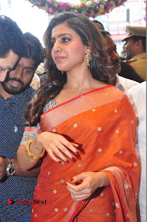 Actress Samantha Pictures in Saree at South India Shoping Mall Launch 0289