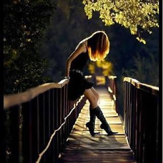 Love Is Life: Yeh zindagi bari ajeeb si