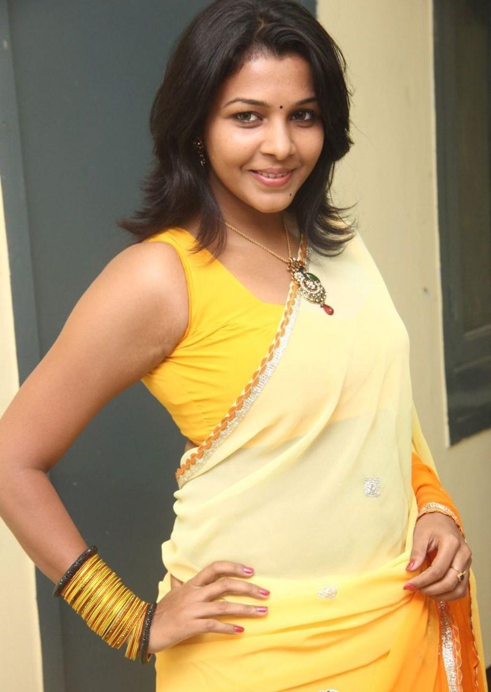 Saranya nag new hot photos in saree