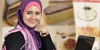 hijab tutorial segi empat untuk wajah bulat