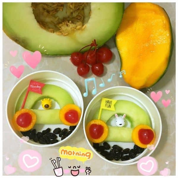 buat tampilannya menarik agar anak mau makan buah dan sayur