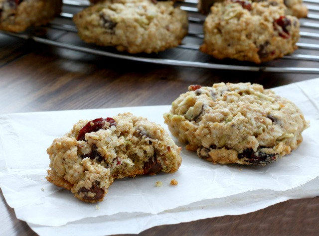 Healthy Oatmeal Chocolate Chip Cookies are a wholesome and hearty lunchbox treat. They're low in sugar (as far as cookies go) and are filled with all sorts of healthy stuff (pumpkin seeds, flax). This is a crisp cookie.