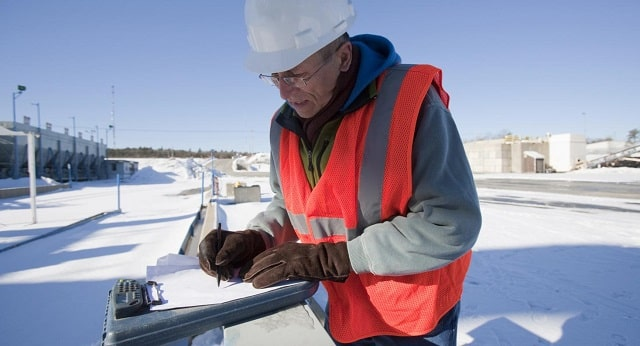 how to keep employees safe during winter season workplace safety