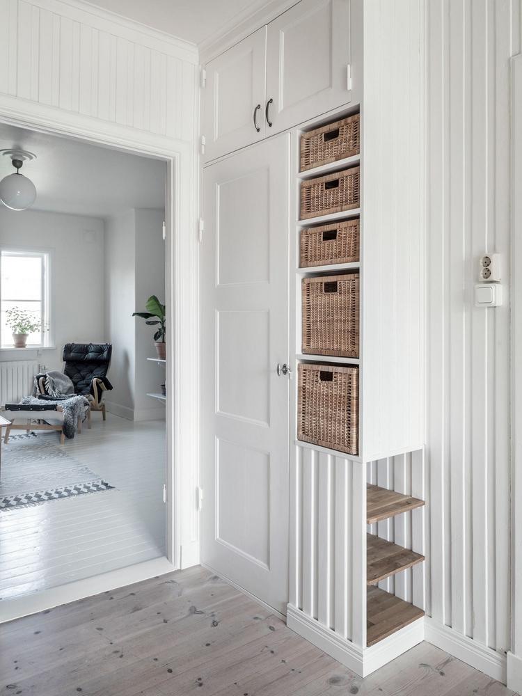 d couvrir l 39 endroit du d cor lambris peints et murs de briques. Black Bedroom Furniture Sets. Home Design Ideas