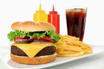 Makanan Yang Harus di Hindari Saat Berpuasa