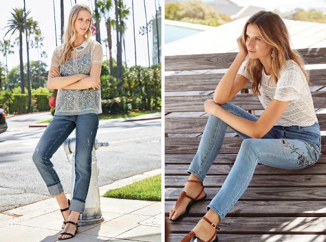 Девушки в джинсах с минималистскими сандалиями