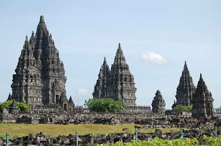 Descriptive Text Singkat tentang Candi Prambanan Contoh Descriptive Text about Prambanan Temple Singkat dan Terjemahannya