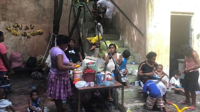 Grupo de 30 venezuelanos se refugia em Sobral, na Região Norte, em prédio abandonado