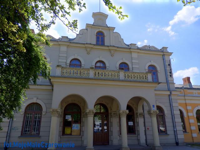 Zabytkowy Dworzec PKP w Aleksandrowie Kujawskim woj. kujawsko - pomorskie - CZYTAJ DALEJ