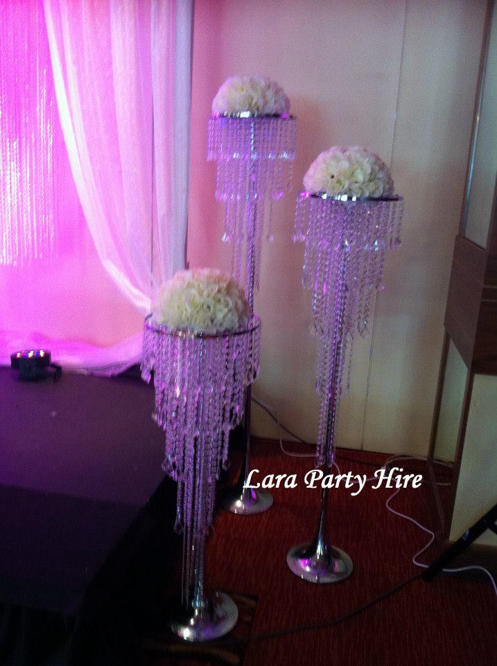 Crystal Flower Stand €20