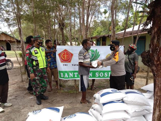Berty Kendek Salur 2 Ton Beras Bantuan Yayasan Budha Tzu chi di Sokanggo dan Persatuan