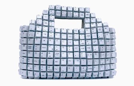 Atau buat tas tangan (handbag) dari keyboard.