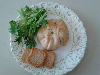 cashews and vegetables puff pastry pillows