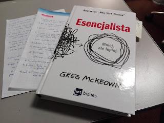książka Esencjalista