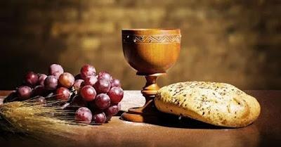 """O culto particular.  Lemos que os primeiros cristãos perseveraram no """"partir do pão"""" (Atos 2:42).   Descrevem essas palavras uma refeição comum ou a celebração da Ceia do Senhor?   É bem provável que ambas."""