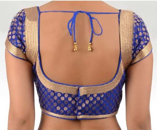 Blouse back neck designs photos, latest blouse back neck designs , pattu blouse back neck today it is quite common that the blouse should not be matched with the saree. So it is important to pay attention that the design of the back and neck which can be connected with heavy embroidery.