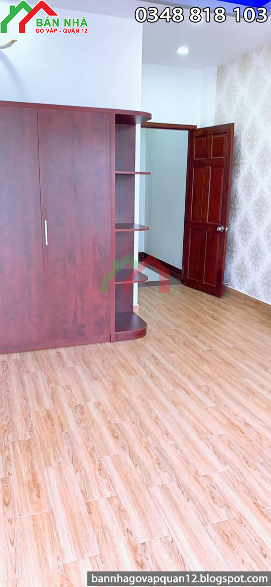 Phòng ngủ có tủ gỗ