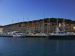 ACI Korčula06690 : ACI marinain the city of Korčula per Anto (talk) 13:53, 10 March 2009 (UTC) (Own work) [Public domain], via Wikimedia Commons