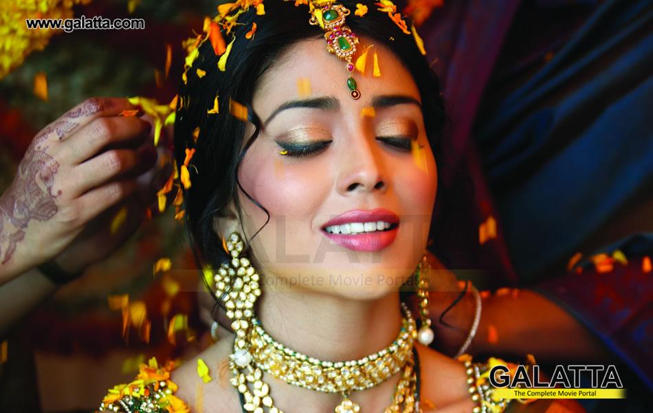 Shriya Saran Gym: WELCOME: Shriya Saran Hot Indian Wedding Photo Shoot For