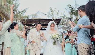 Foto Pernikahan Randy Pangalila