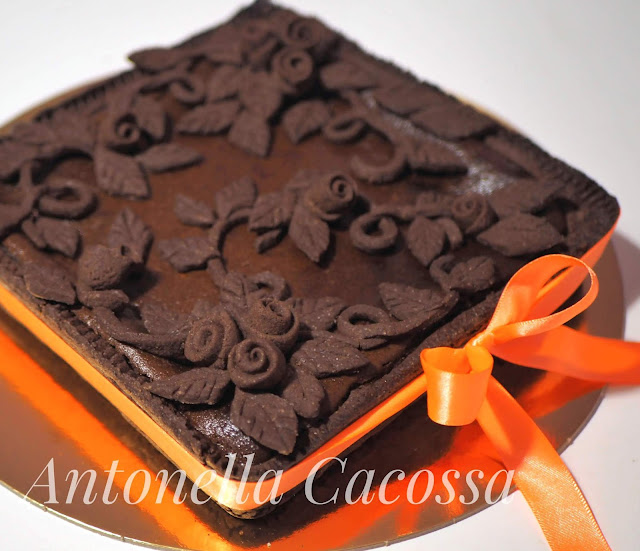 Crostata al cacao fiorita
