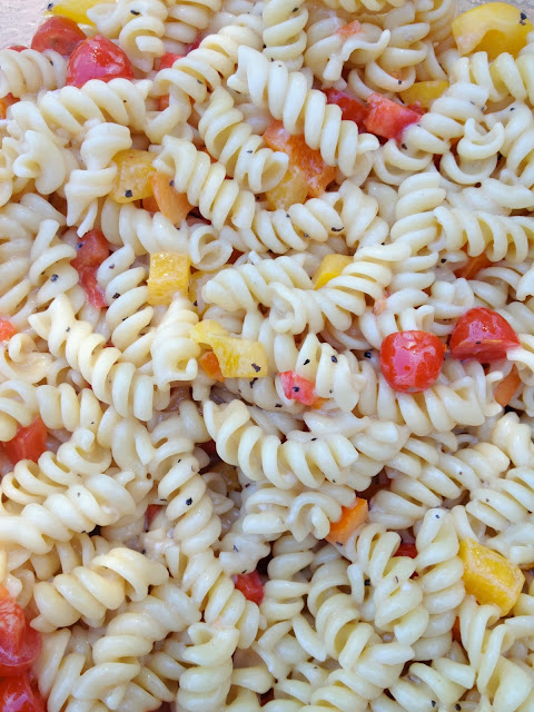Volleyball Team Snack Ideas - Team Color Pasta Salad Recipe www.jacolynmurphy.com
