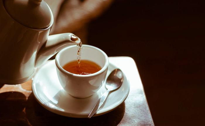 カラオケドリンクバーで水以外飲むとどうなるの?:紅茶などのホットドリンク