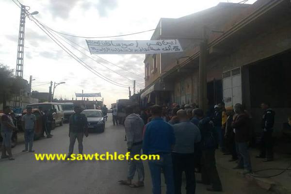 إعتداء على رئيس البلدية ومحتجون ينزلون للشارع بالظهرة