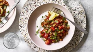 حمص مع الهريسة التونسية والزبادى,|المطبخ التونسى| اكلات تونسية|لحم مع الهريسة| طريقة عمل الهريسة|الهريسة التونسى|لحم ضانى مشطشط|مكونات الهريسة|