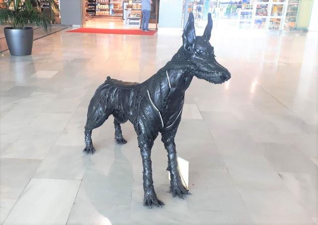 FUE%2BFT%2BExposici%25C3%25B3n%2BRuplares%2B5%2B%25281%2529 - El Aeropuerto de Fuerteventura acoge una exposición de esculturas realizadas con neumáticos realizadas por Ruplares