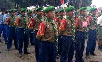 Kontingen putra SMP Muhammadiyah 4 Tanggul Gerak Jalan HUT RI Ke-72