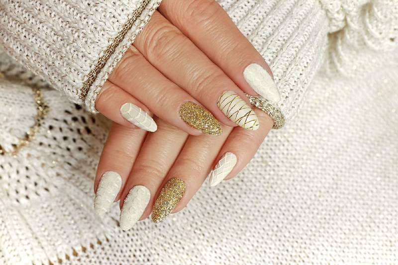 Dark French Tips Will Rule Winter Nail Art Trends