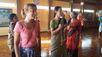 Templos Hare Krishna  ao vivo
