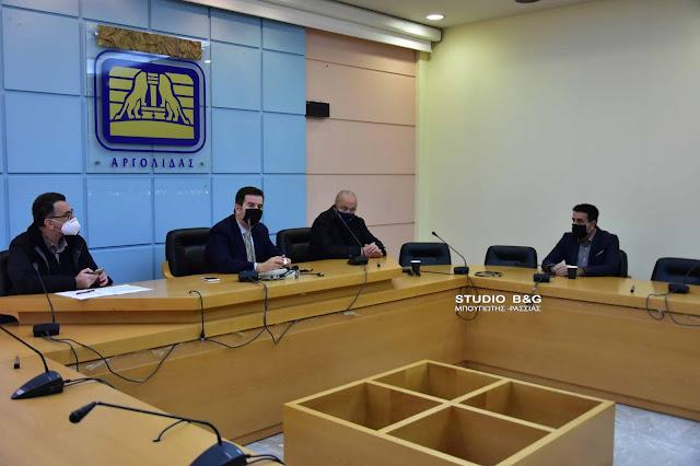 Σύσκεψη στην Αργολίδα για την εφαρμογή των νέων περιοριστικών μέτρων του lockdown (βίντεο)