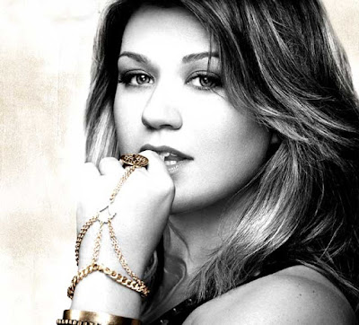 kelly-clarkson-calls-daughter-terrorist