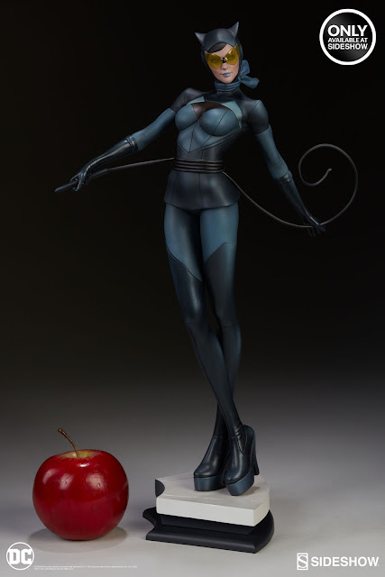 osw.zone Stanley Artgerm Lau Artist Series DC Comics Catwoman Statue of Sideshow Collectibles
