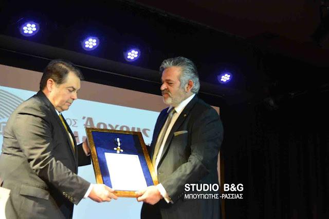 Με τον Σταυρό τιμής του Δήμου Άργους Μυκηνών βραβεύθηκε ο Δημήτρης Μήλιος