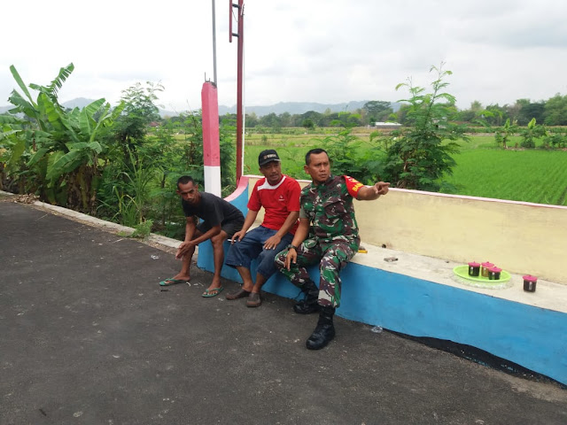 Babinsa Gantiwarno Pantau Keamanan Desa Jabung
