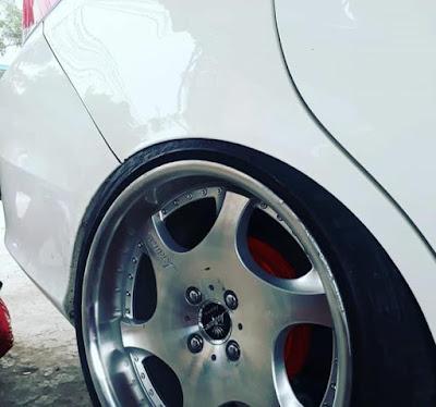 Ban semi slick Honda Mobilio