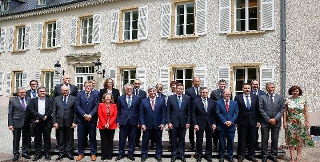 """""""Άνθρακας"""" ο θησαυρός του Eurogroup -  Μηδενικό κούρεμα στο χρέος"""