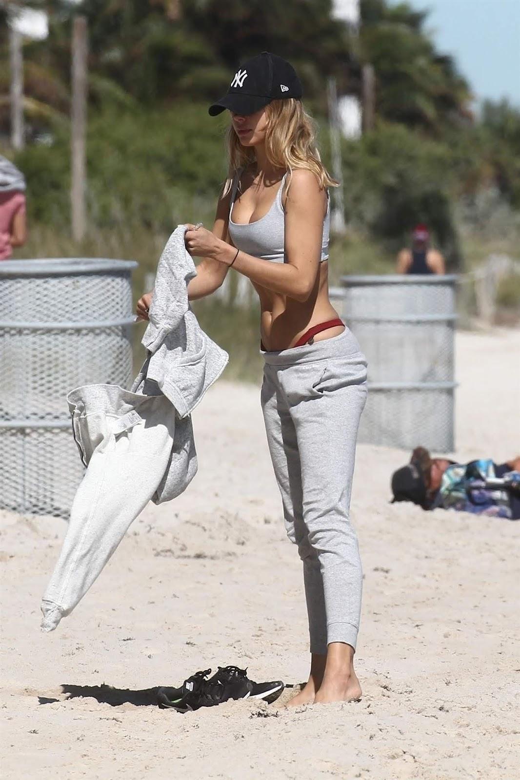 Kimberley Garner in a bikini at the beach in Miami - 01/28/2019