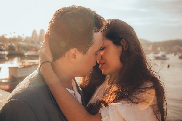 baiser, french kiss, baiser français, baiser à la fraçaise, embrasser, embrasser à la française, french kissing