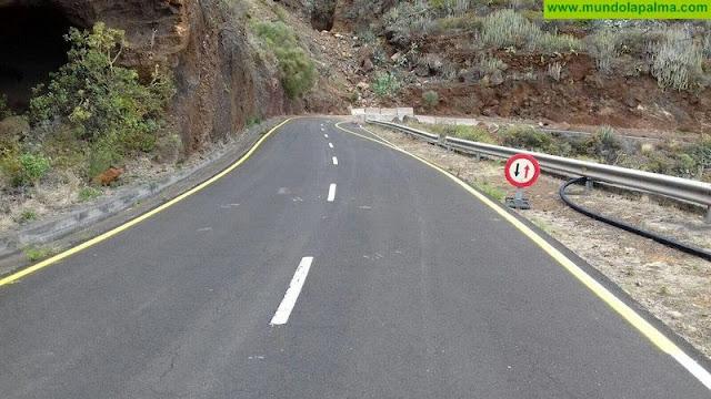 El Cabildo repara tramo dañado en la carretera Martín Luis, Puntallana