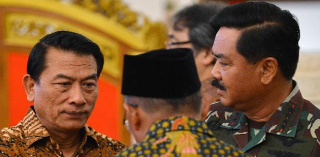 Andi Arief:  Pak Moeldoko Masih Merasa Panglima TNI?